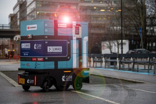 LMAD's last-mile delivery robot in Helsinki